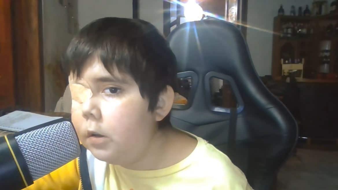 Tomiii 11 niño con cáncer cerebral sueño youtuber