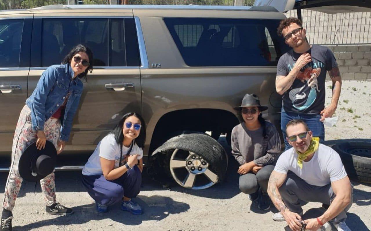 Yalitza Aparicio sufre accidente llanta