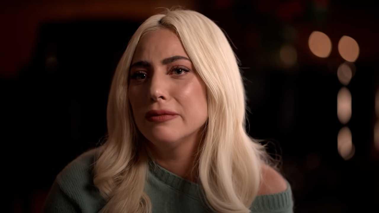 Lady Gaga lloró al recordar su experiencia de abuso