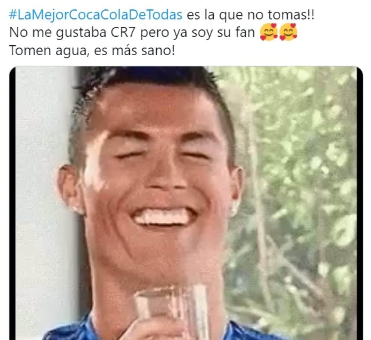 Cristiano Ronaldo tomando agua meme