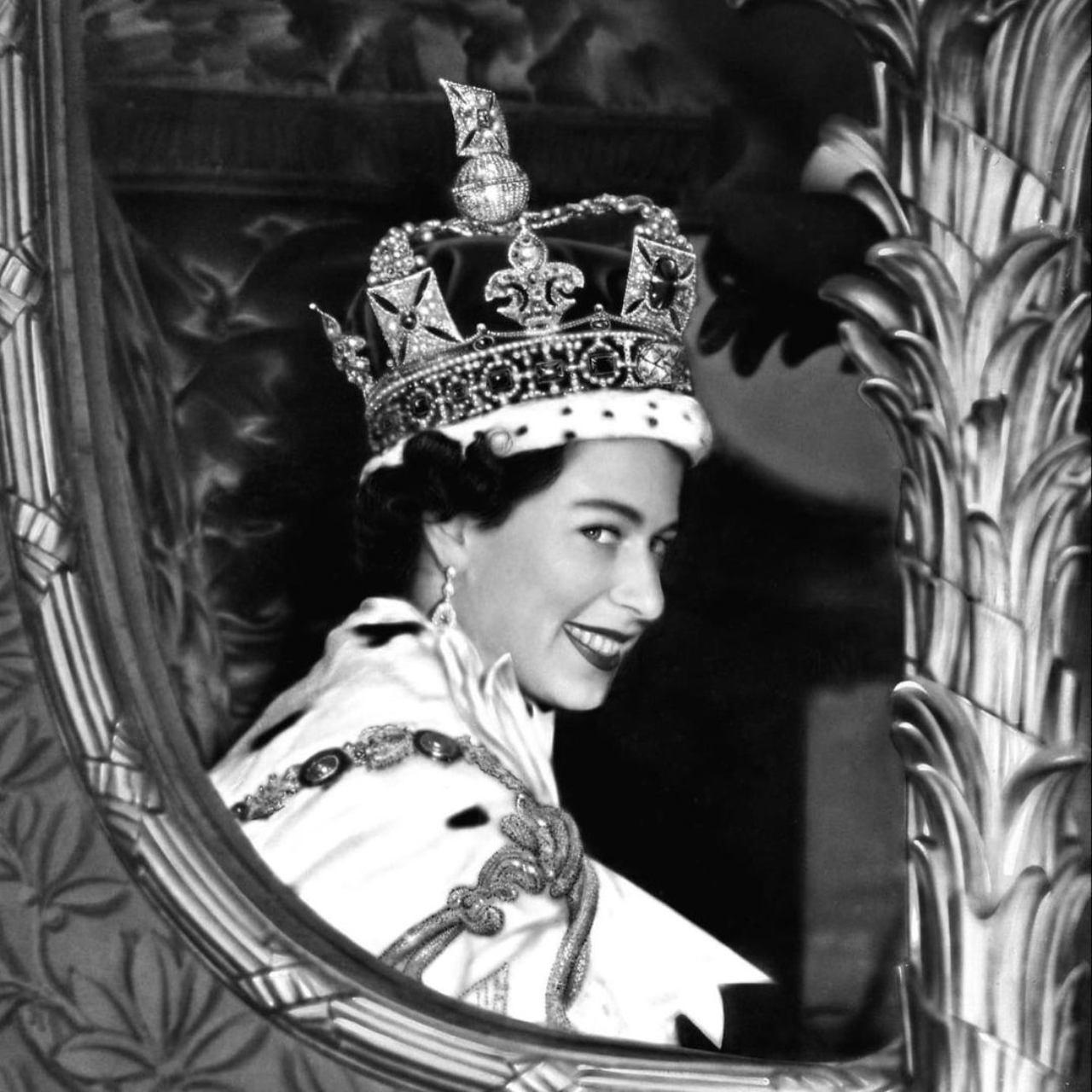 Reina Isabel desinvita Harry fiesta