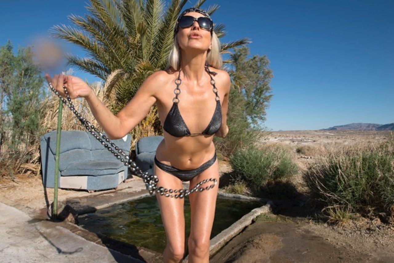 Yazemeenah modelo 60 anos en bikini