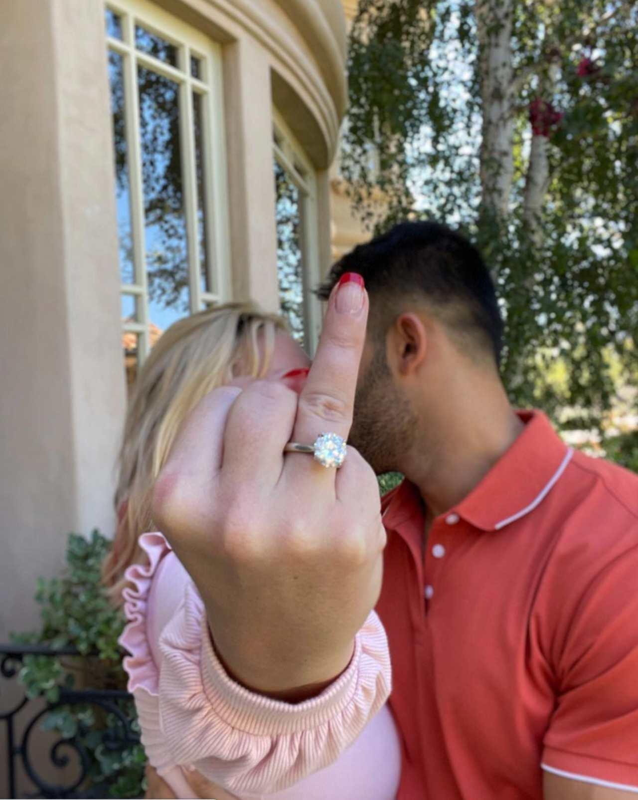 Britney Spears se compromete con su novio
