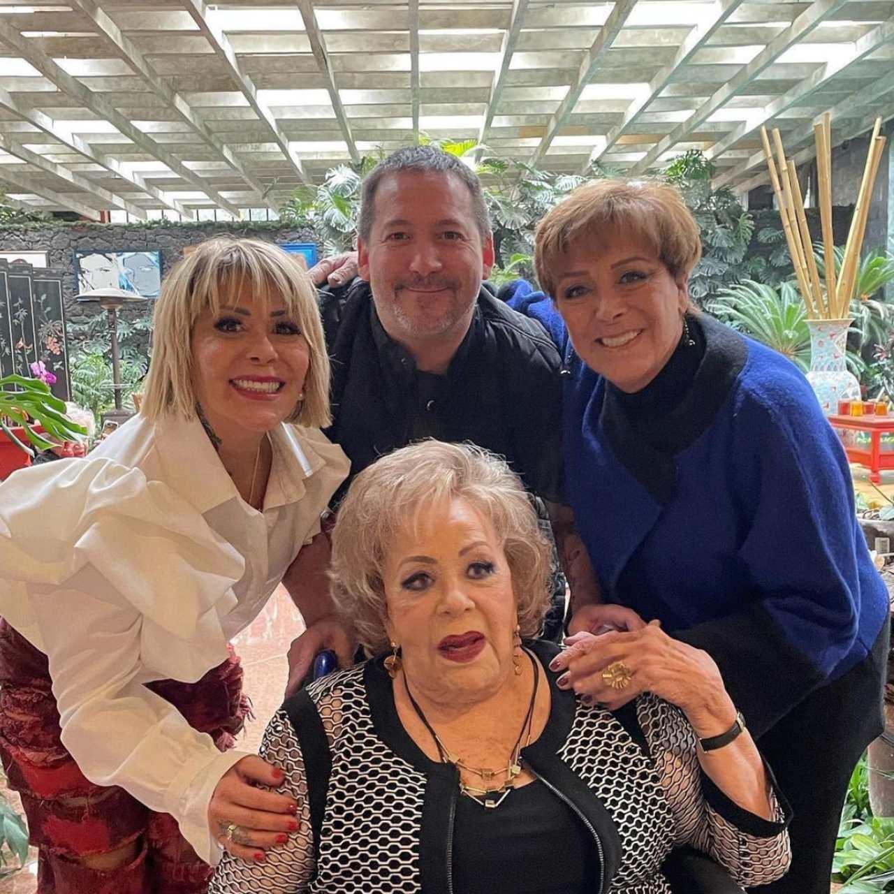 Silvia Pinal fotos cumpleaños 90
