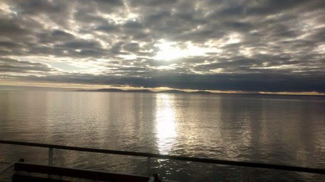 Luce antartica dal traghetto (Cile)