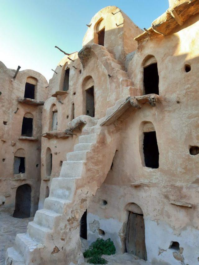 Tunisia 2020 - Giorno #7 - Ammutinamento, sceneggiata araba, figure barbine