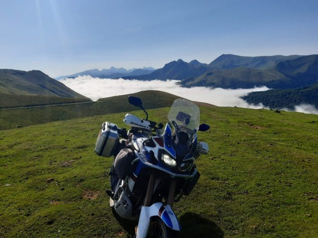 Pirenei 2021 - giorno #9 - Sconfinamenti illegali in Valle del Roncal e orgoglio spagnolo