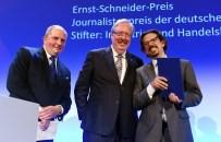 Jörg Thadeusz, Andreas Bartmann und Preisträger Dr. Sebastian Strube