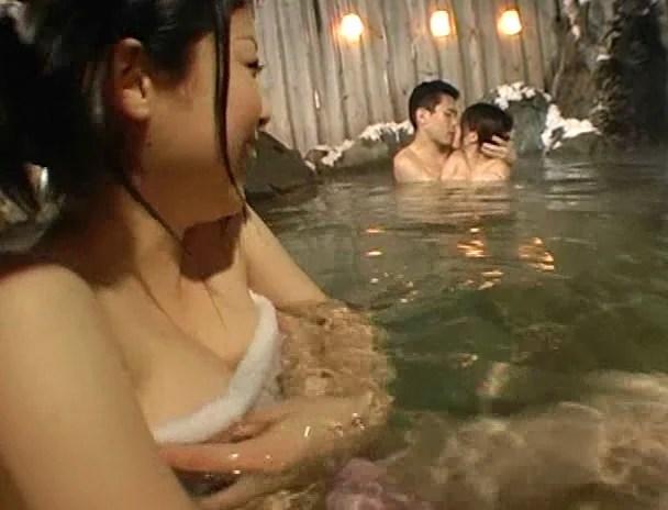 温泉SEX画像46