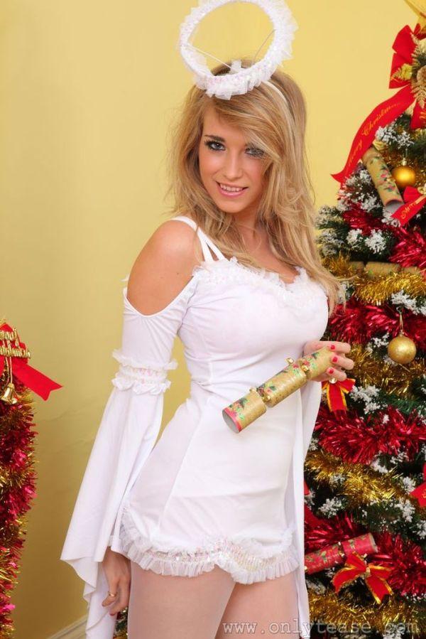 Сексуальный подарок будет Вас ждать в рождественскую ночь ...