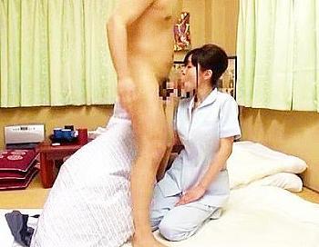 菅野みいなマッサージ巨乳フェラパイズリクンニ騎乗位美尻<菅野みいな>疲れた体を癒やすために頼んだ温泉旅館の整体師の手付きに興奮するオヤジ!43分