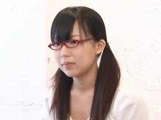 上京したての初ヌードモデル美大一年生 パート4 青木琴音