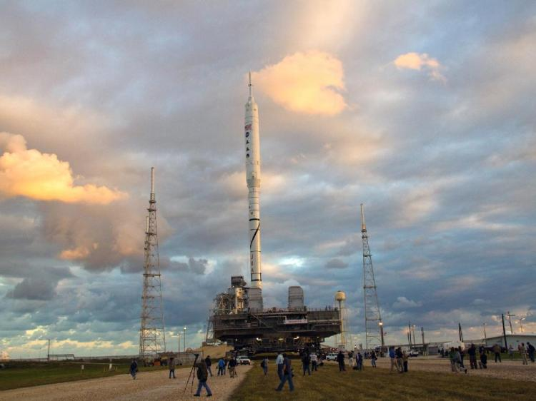 Ares 1-X rolls out to the pad