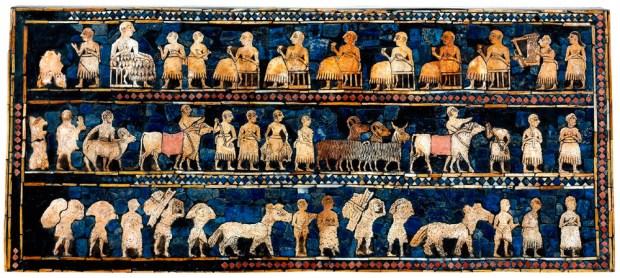 Obra de arte sumeria elaborada con la técnica de la taracea. En ella aparecen ganado y personas con kaunakés.