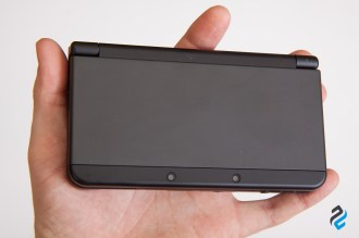 new 3DS w dłoni