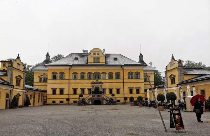 Hellbrunn manor