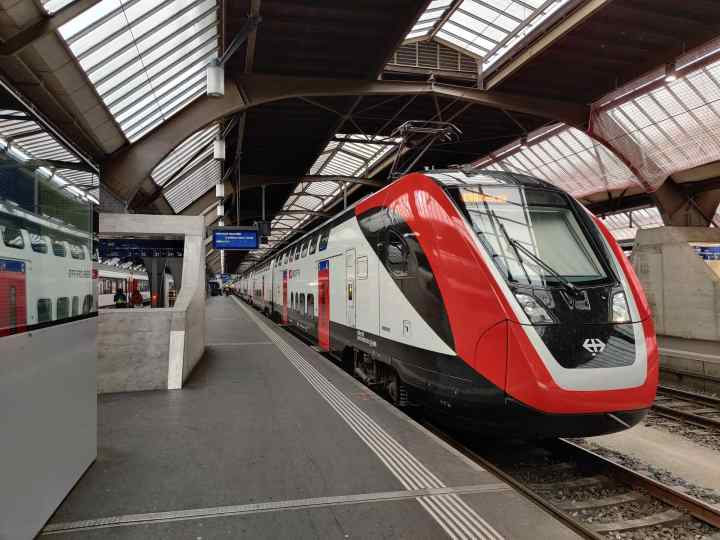 train travel in Europe tips