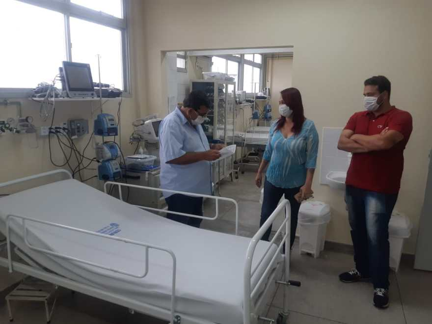 Leitos hospitais