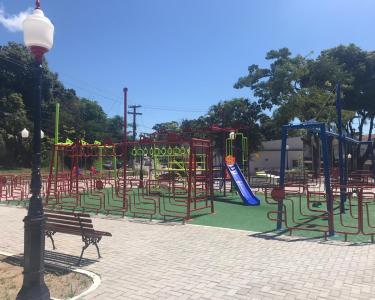 Praça Itaocaia Valley