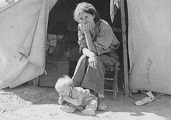 Eighteen year-old mother from Oklahoma, now a California migrant.  Photo by Dorothea Lange, Courtesy Library of Congress, Prints & Photographs Division, FSA-OWI Collection LC-USF34- 016269-C