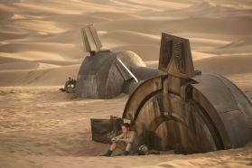 Star-Wars-7-Rey-on-Jakku