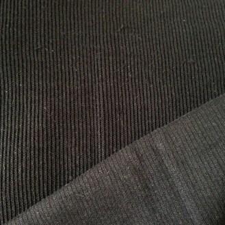 schwarzer Rippenstrick aus Baumwolle