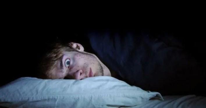 uyku felci nedir? uyku felci neden olur? tedavisi var mı?