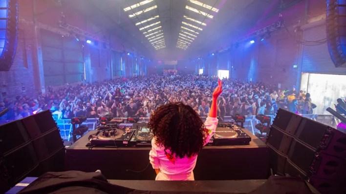 İngiltere'de 3 bin kişilik konser