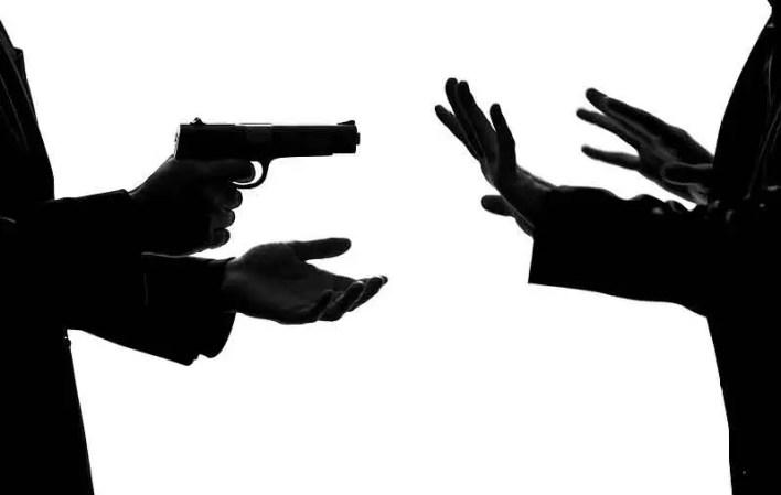 Eskişehir'de bir hırsız taksicinin parasını gasbetti