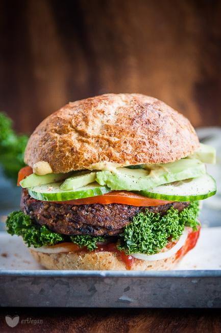 weganskie burgery komosa sliwka-1201