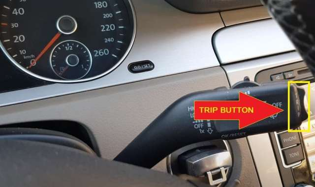 Volkswagen Passat - Pres and hold the trip button