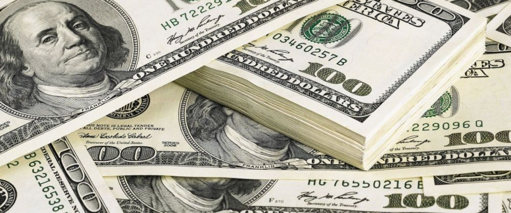 GTY_hundred_dollar_bills_jt_141031_12x5_1600