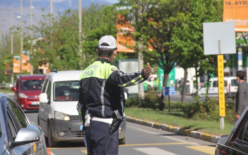 Erzincan'da trafiğe kayıtlı araç sayısı Mayıs ayı sonu itibarıyla 62 bin 372 oldu