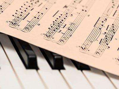 Bladmuziek en piano