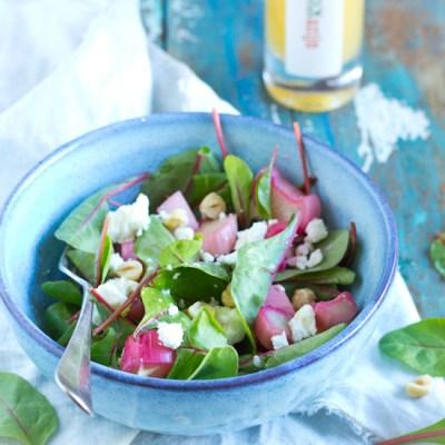 Geroosterde rabarber hazelnoten salade