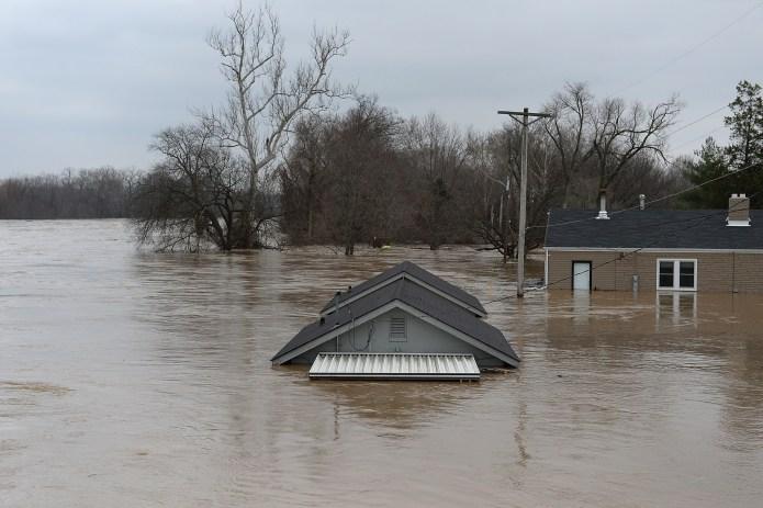 Inundaciones en Estados Unidos amenazan al menos a 18 millones de personas    Nueva York   Tormenta de nieve   The Epoch Times en español