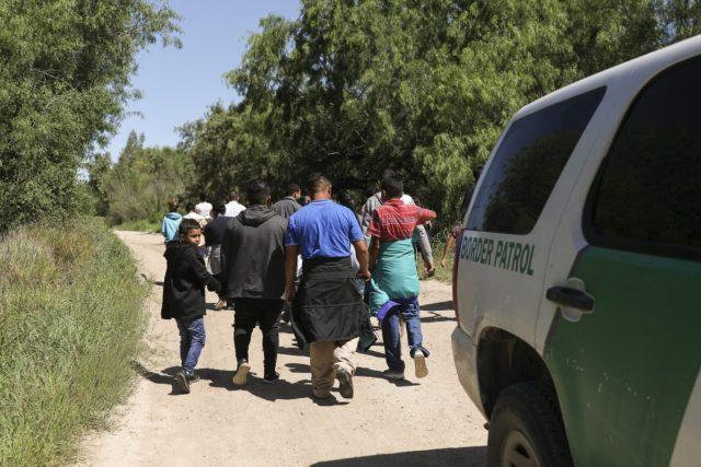 Resultado de imagen para Inmigrantes ilegales