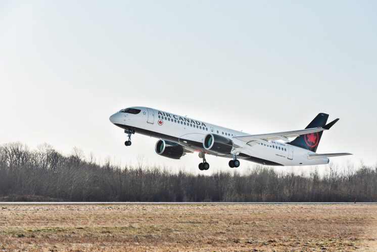 Air Canada A220-300 takes off (2)