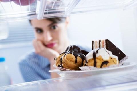 Signos De Estrés  que te hacen daño  Antojos de comida chatarra