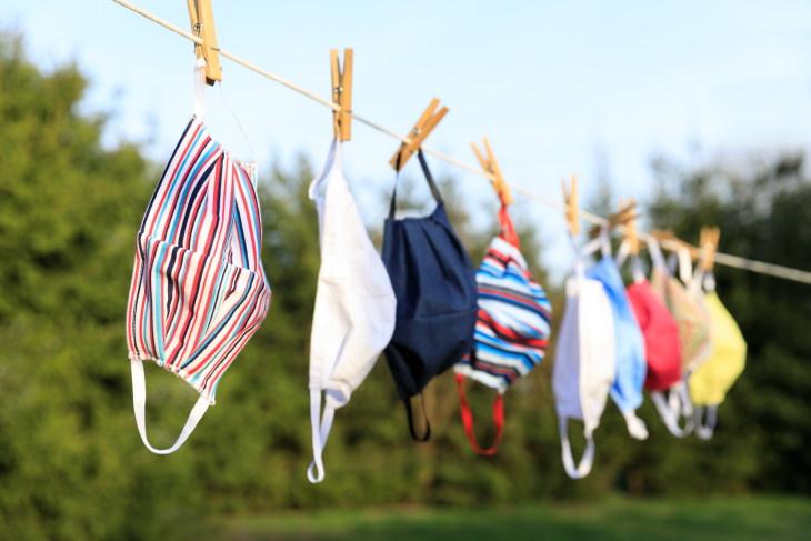 Errores al limpiar tu cubrebocas Simplemente secar al aire tus cubrebocas