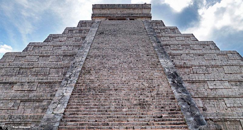 Este imponente sitio arqueológico ubicado en la península de Yucatán en México es...