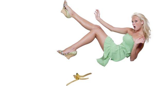 Caida resbalone banana