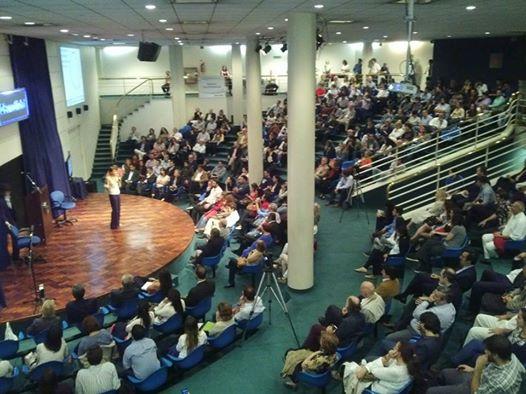 La ultima conferencia de Álvarez en Argentina se realizó en el auditorio del Banco Ciudad en Buenos Aires. (Twitter)