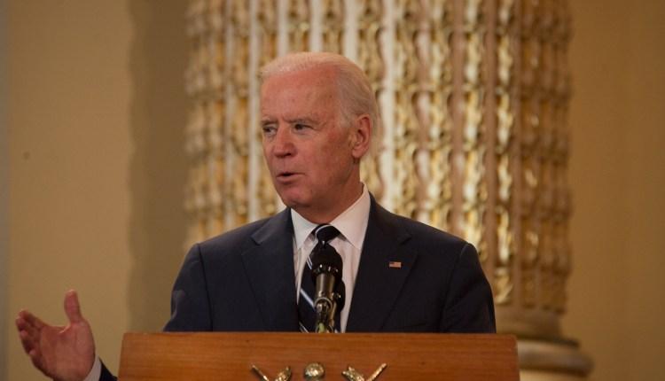 Biden y sus amigos (cortesía Santiago Billy)-3