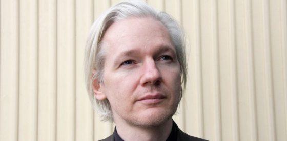 Ecuador revela que Julian Assange se encuentra en delicado estado de salud
