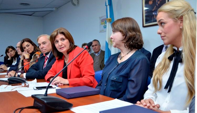 Mitzy de Ledezma con Diputados Argentinos (1)