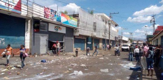 Ola de saqueos refleja la hambruna que vive Venezuela