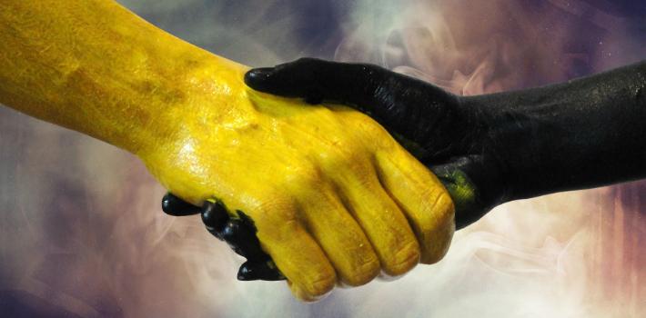 anarchy-hands