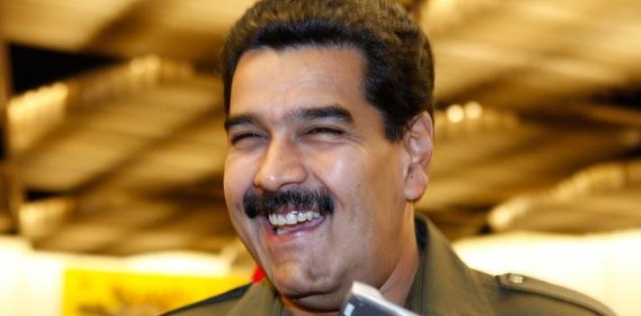 Resultado de imagen para maduro se burla de los venezolanos