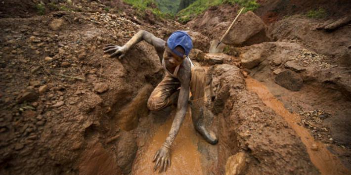 El coltán ha sido causante de varios conflictos en África y su extracción ilegal hace estragos al sur de Venezuela (Correveidile)